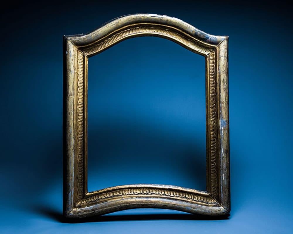 picture frame before frame restoration